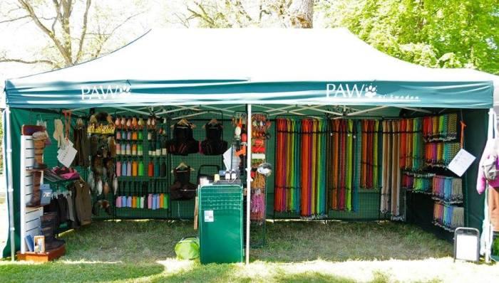 PAW, PAW of Sweden, hund, hundar, valp, koppel,skålar, dummies, Jonas i Sälen Game Fair, jakt, västar, skyddsvästar, fågelhund, Sälen, Dalarna