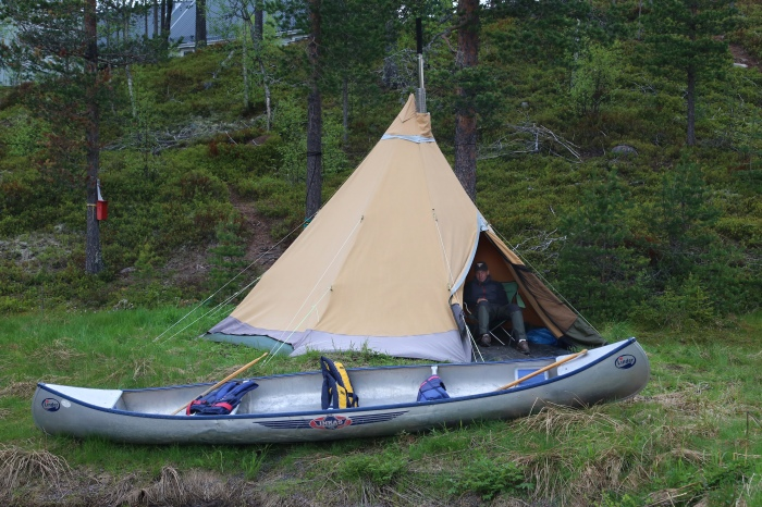 Yttermalungs camping, Malungs äventyr, kanot, tentipi, Moose safari, kanotocht, bever safari, bijlgooien en houthakkers pannenkoeken